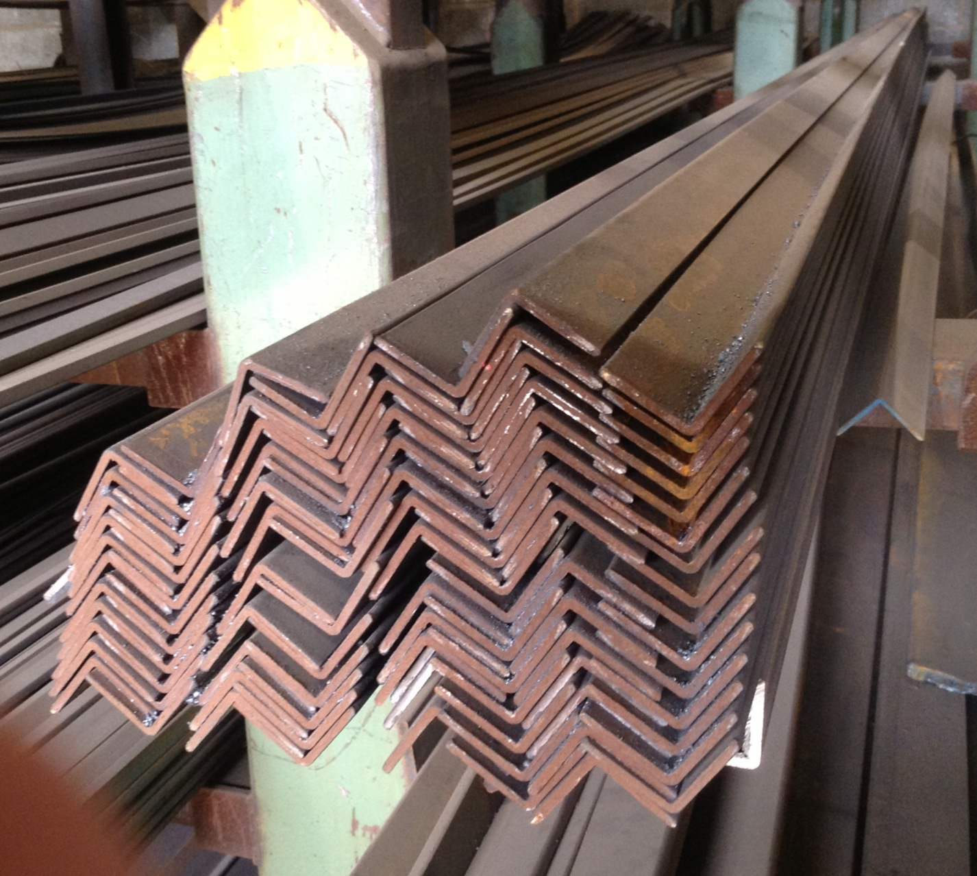 6.100 Mtrs Mtrs  x  x  Mild Steel Angle