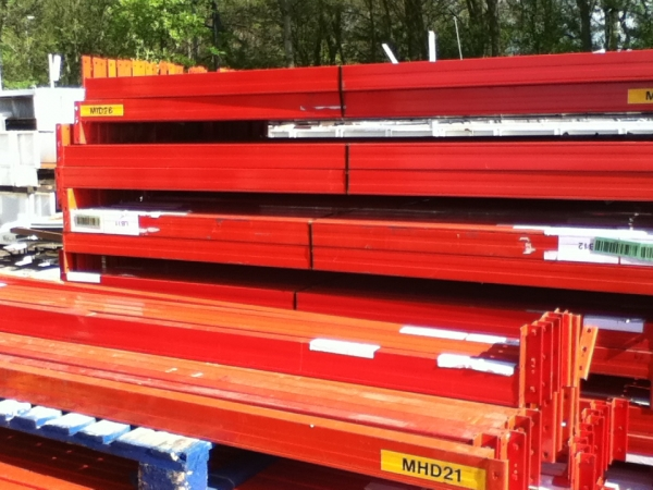 Used Stakrak 2.700 Mtr Orange Cross Bar / Beam 100 x 50 Closed Beam - Industrial Steel Racking - Not Redirack, Dexion, Planned Storage or Link 51