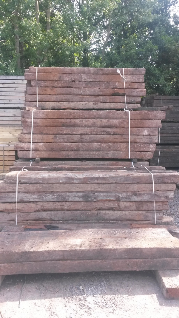 4\'\'/6\'\'x8\'\'/10\'\' x 8 ft to 9 ft Long x Class 2 Second Hand Railway Sleeper