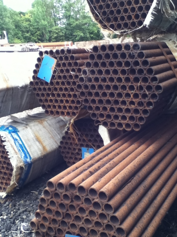 9.000 Mtr Lengths of 33.7 mm x  3 mm  Unused Tube Varying Atmospheric Rust Drainage - Water Pipe