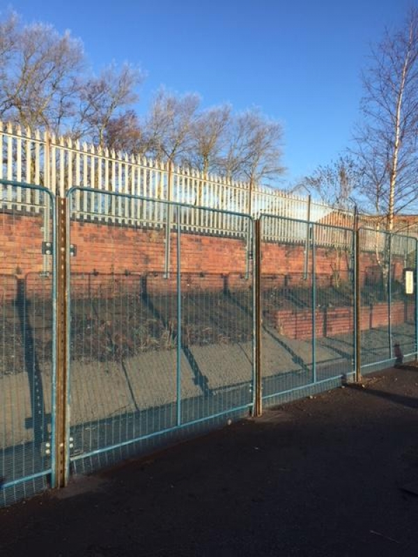 Fence Panels Used 3.000 Mtr High  Blue  - Price Per Linear Metre - Polmil - Prison Mesh - Anti-terrorism School Railings - Park Railings- Security Fencing