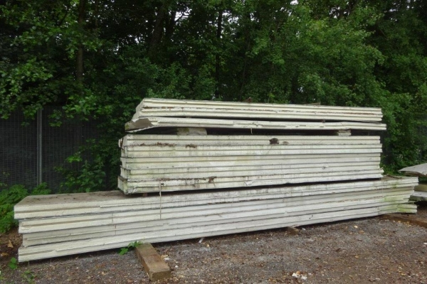 Used Fridge Panels 1.600/12.000 Mtr Long x 1.200 Mtr Wide x   Deep  Polystyrene Steel Clad on Exterior  Insulated