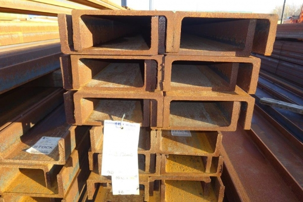 4.750mtr Long 230 x 90 x 32.2kg/m Unused Stock Rusty Steel Channel - Pfc