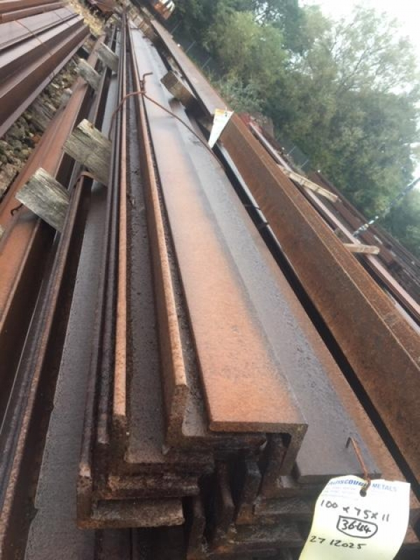 12.025 to 12.200 Mtr 100 mm x 75 mm x 11 mm Mild Steel Angle Iron  Unused Stock Rusty Unequal Angle Iron - Please Note These Need to be Cut Upto 8 Mtr For Transport