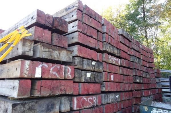 Used Mixed Species Hardwood Timber / Crane Mat 3.050 Mtr x 1.220 Mtr x 300 mm (ekki Mat / Access Mat, Bog Mat, Excavator Mat, Floor Protection, Road Covers, Not Road Plates)