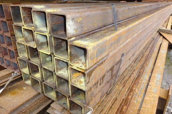 7.500 Mtr of 80 mm x 80 mm x  5 mm Steel Box Section  ( 80 x 80 x 5 mm Box Section 7.500 Mtr Unused Stock Rusty )