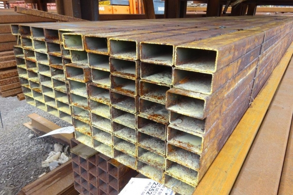 7.500 Mtr of 100 mm x 50 mm x  3 mm Steel Box Section  ( 100 x 50 x 3 mm Box Section 7.500 Mtr Unused Stock Rusty )