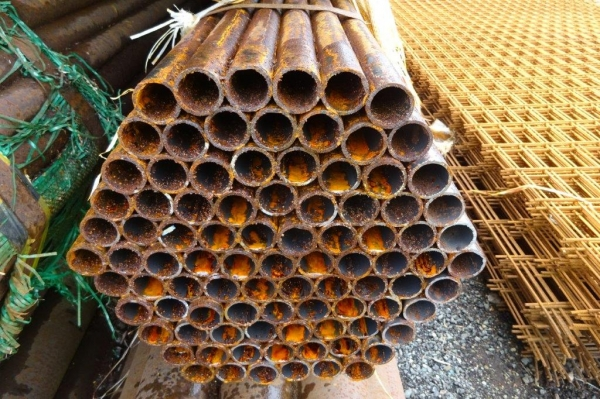 7.600 Mtr Lengths of 33.7 mm x   2.5 mm Unused Stock Rusty Steel Tube - Chs Drainage - Water Pipe