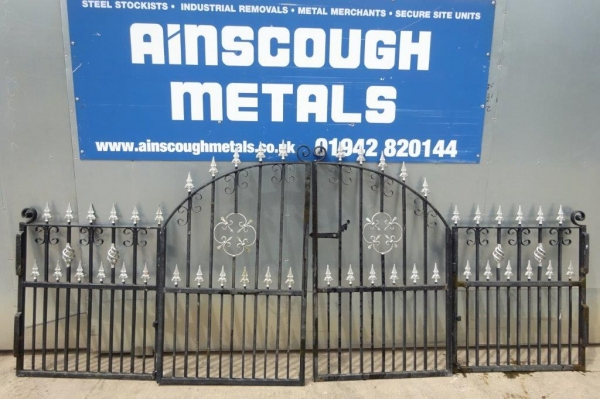 Black & Silver bi Fold Steel Gates 3.500mtr Wide O/a - Used
