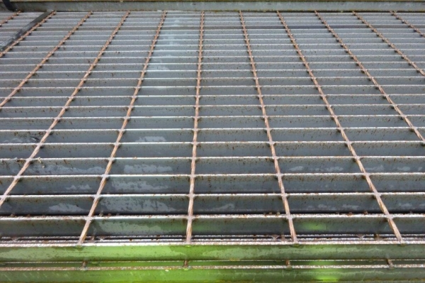 Floor Forge Walkway Self Colour  Steel Grating  2.000 Mtr  x 1.000 Mtr New 30 mm Deep x 3 mm Thick Flat Bar Flow Forge