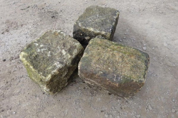 Lot of 9 no Bulk Bags of Used Stone Sets / Cobbles