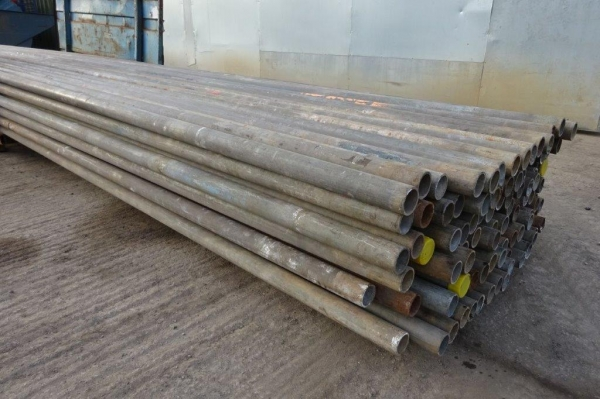21\'0\'\' Random Length of 48.3mm x 4mm Used Galv ex Scaffold Tube - Circular Hollow Section - Steel Tube - Drainage - Water Pipe