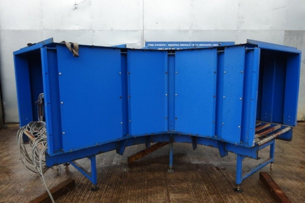 4.250 Mtr Long O/a Conveyor - Used Blue Conveyor Bend / Corner Unit - no Belt -  Conveyor