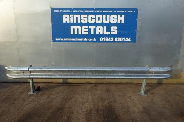 Armco Crash Barrier Kit / Set - Bolt Down - Newly Galv - C/w Fishtail Ends - 3.200mtr Cover