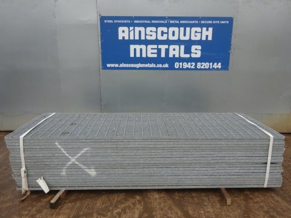 Floor Forge Walkway Galvanised / Serrated  Steel Grating  3.000 Mtr  x 0.990 Mtr New / Unused 35 mm Deep x 5 mm Thick Flat Bar Flow Forge