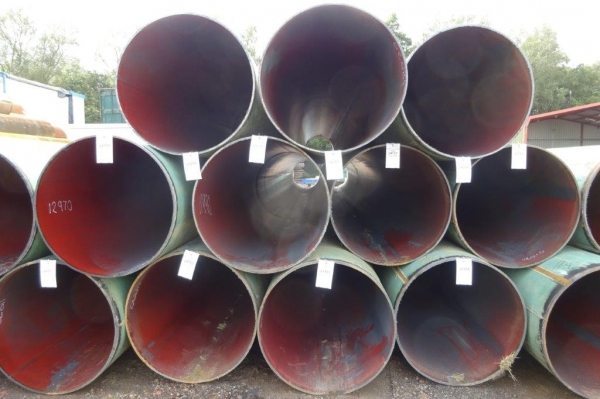 914 mm Dia x 13.5 mm Thickness x 11.680 Mtrs Long Used Painted Steel Tubes / Steel Drainage Pipes / Piling Tubes