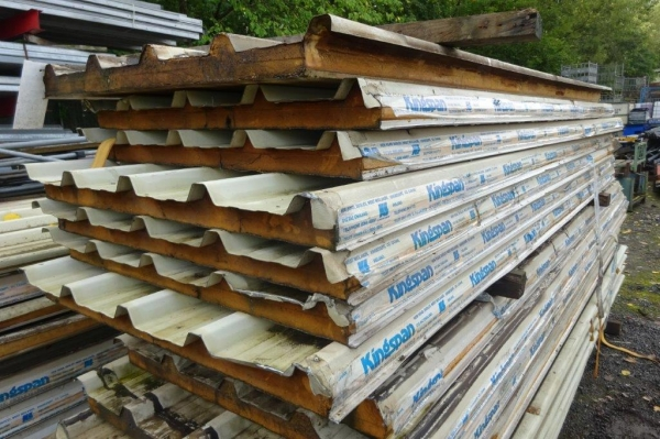 Bundle of 12 no Used Kingspan Insulated Roofing Sheets 3.660/4.050mtr Cover x 900mm Cover 50mm Thick