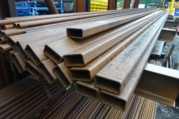 7.600 Mtr of 100 mm x 50 mm x  5 mm Steel Box Section  ( Unused Stock Rusty )