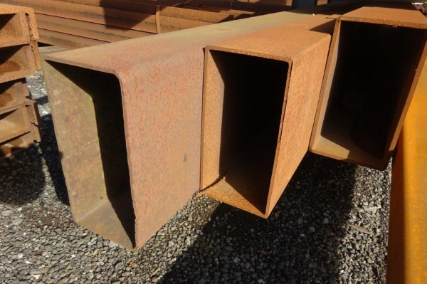 6.470 Mtr of 400 mm x 200 mm x  8 mm Steel Box Section  ( Unused Stock Rusty )