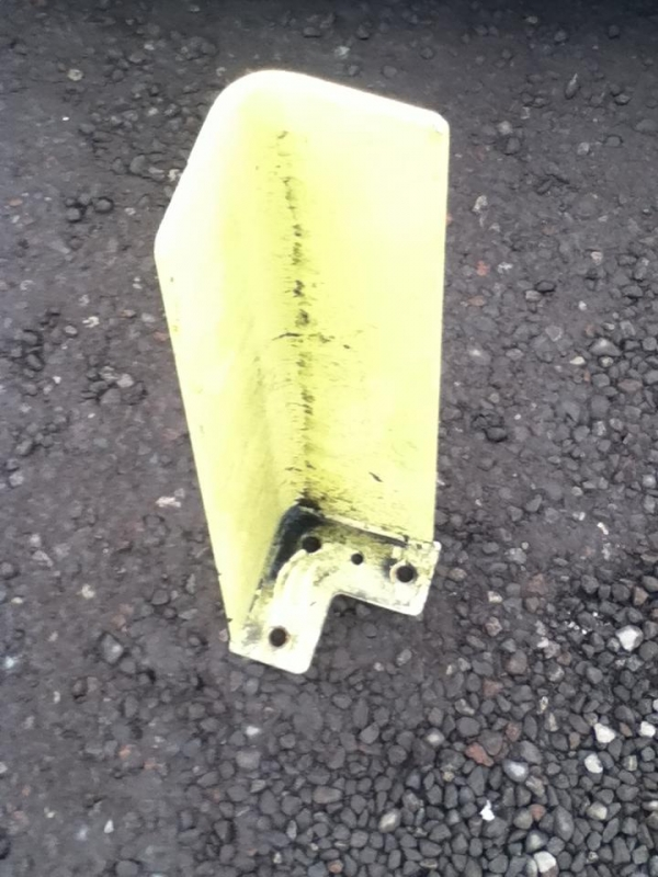 156mm 3 Hole Yellow Racking Corner Protectors Used