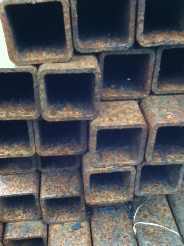 7.600mtr of 30mm x 30mm x  3mm Steel Box Section  ( 30 x 30 x 3mm Box Section 7.600mtr Unused Stock Rusty )
