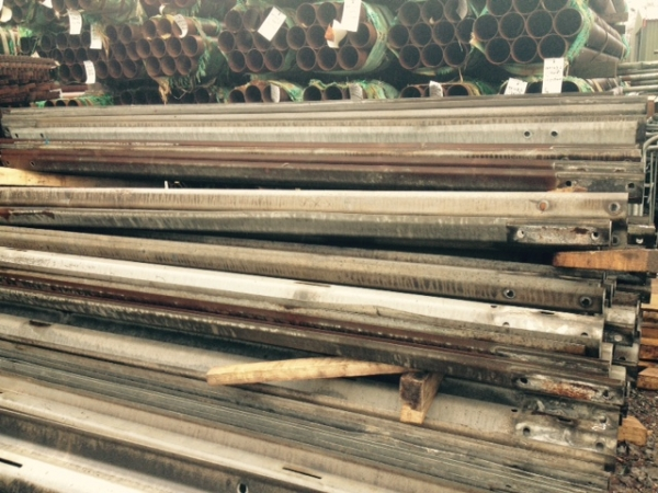 Used Slightly Rusty 3.500 Mtr Overall Length 3.200 Mtr Cover   (not Trench Sheets or Piles) Armco Crash Barriers